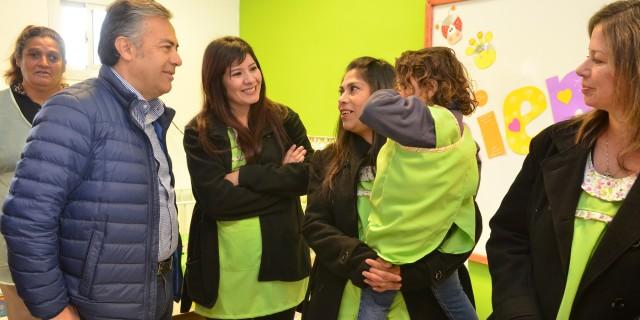 """Cornejo en La Paz: """"Debemos revalorizar en serio la educación, no sólo en los discursos"""""""