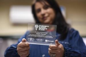 Nota a Ángeles Zucccatto, maestra premiada por un diario Digital. Escuela Sayanca