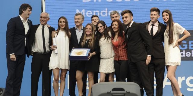 La escuela Vicente Zapata recibió un premio en el concurso nacional «Maestros Argentinos»