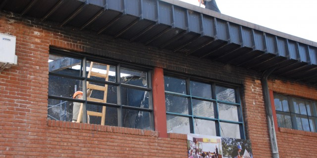 Comienzan a reparar cuatro aulas de la escuela 4-029 José de San Martín