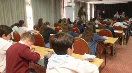 Concurso de dictados La Escuela Escribe bien, realizado en el Aula Magna del Centro de Congresos y Exposiciones