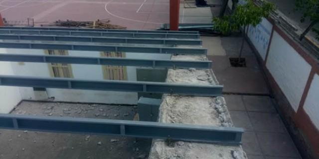 Infraestructura recambia el techo de la Escuela Tomás Edison