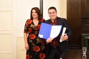 Senadora Sevilla-Prof. Perri03_editada