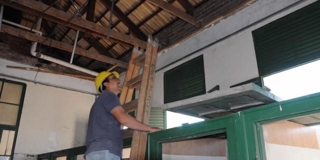 Infraestructura continúa con la reparación integral de la escuela Bombal