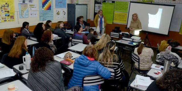 Docentes y directivos trabajaron de manera conjunta en las escuelas de nivel inicial y primario