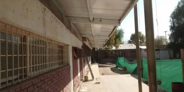 Infraestructura continúa con el remplazo completo del techo de la Escuela Albino Gutiérrez