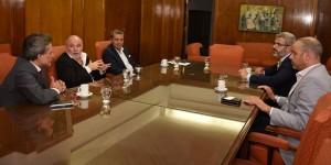 Reunión entre funcionarios y el Director de la Organización Internacional del Trabajo_01
