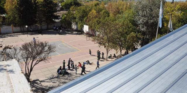Infraestructura hará el recambio de todo el sistema eléctrico de la escuela Paula Albarracín