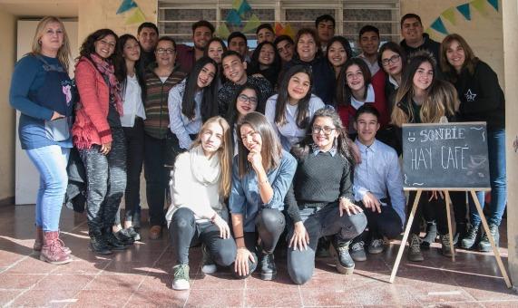 Esc. Alberdi_Café Literario_Junio_01