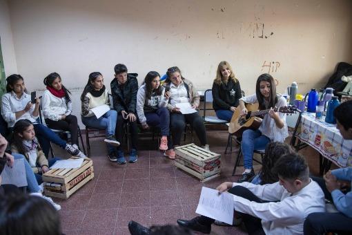 Esc. Alberdi_Café Literario_Junio_03