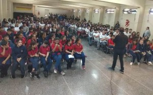 Colegio San Pedro Nolasco_visita del escritor Sergio Aguirre_02