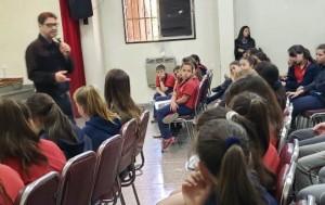 colegio San Pedro Nolasco_visita del escritor Sergio Aguirre_01