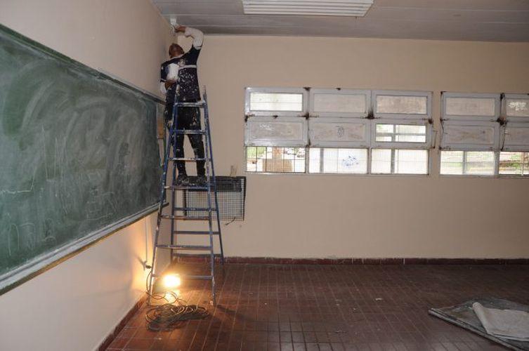 Obras_ Esc. Osvaldo Borghi_reparación por un incendio (5)