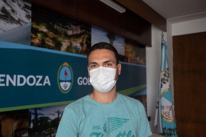 Suarez firmó un convenio con la institución Grooming Argentina_14